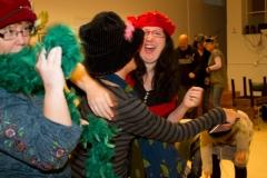 Även fnasken på stan kan få sig ett gott skratt i den bistra vintertiden ( Fr.v. Elin Ross, Ann-Marie Jacobsson och Karolina Halldin)